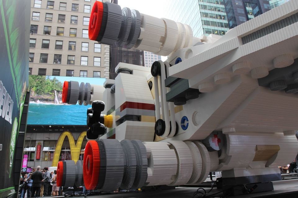 World S Biggest Lego Set Stars Wars X Wing Starfighter