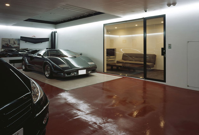 While There Are Probably Other Ways Of Getting A Car Into Living Room That Doesnt Involve An Elevator The House Was Built In Space Starved Tokyo And