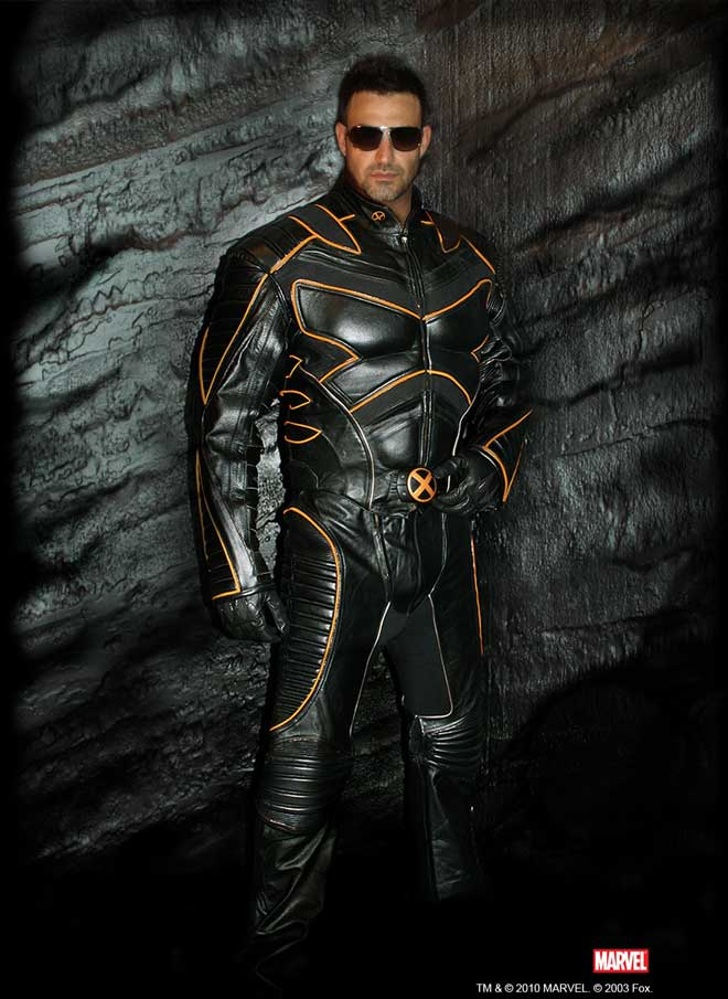 The Wolverine Motorcycle Suit Because Marvel Fans Ride Bikes Too: www.coolthings.com/wolverine-motorcycle-suit