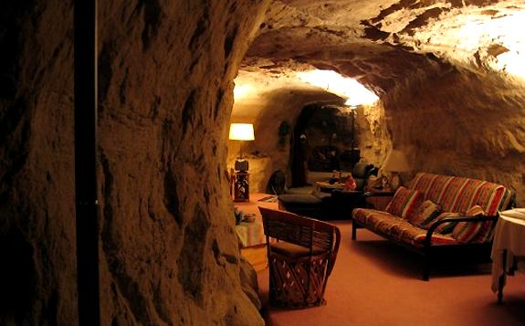 Live like fred flinstone in kokopeli s cave bed breakfast - The cave the modern home in the mexican desert ...