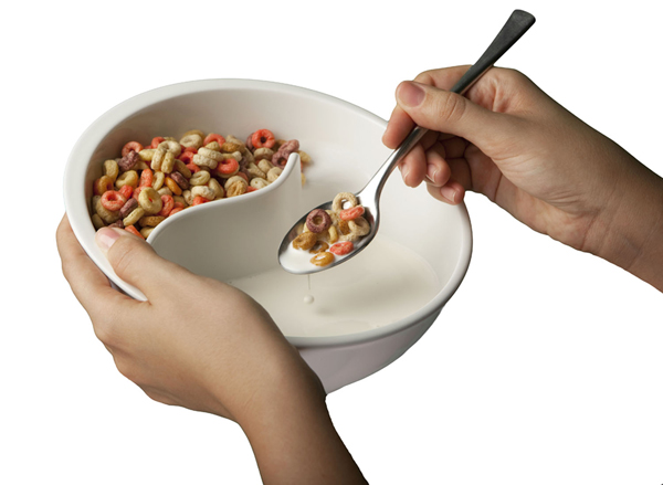 no one likes soggy cereal I don't like soggy cereal, you are not a big fan of either  that way, you can put  milk on one side and your favorite crispies on the other,.