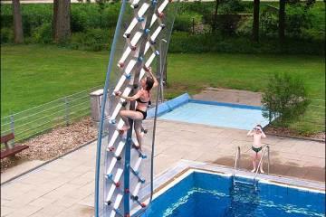 aquaclimb-pool-side-climbing-wall
