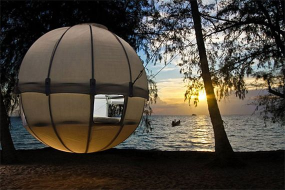 & Cocoon Tree Hanging Tent Looks Like A Flying Orb