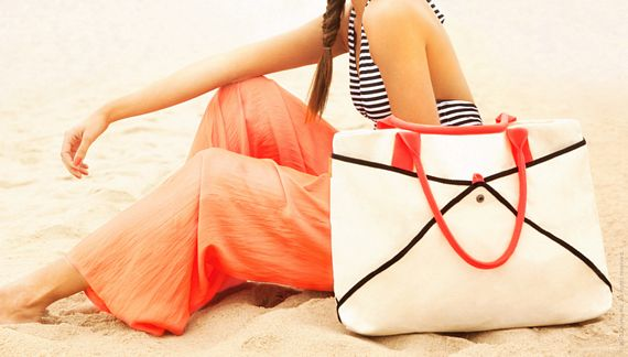 Shake Bag Is Like Having A Sand Proof Beach Tote