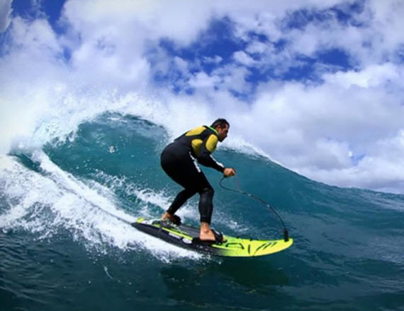 Jetsurf Is A Lightweight Compact 35mph Motorized Surfboard