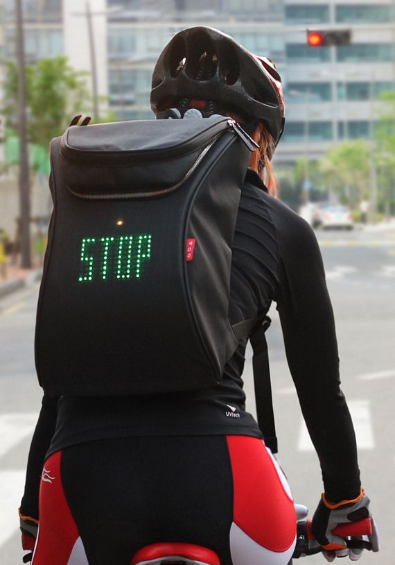 Seil Bag Puts Customizable Turn Signals On Your Backpack