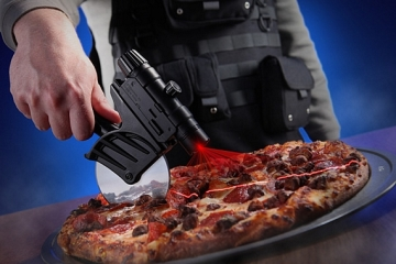 tactical-laser-guided-pizza-cutter-2