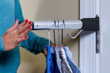 hinge-n-hang-towel-bar-1