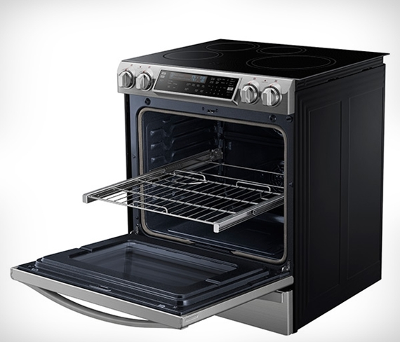Samsung Chef Collection Induction Range Uses Fake Led Flames
