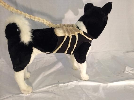 alien-facehugger-dog-leash-3