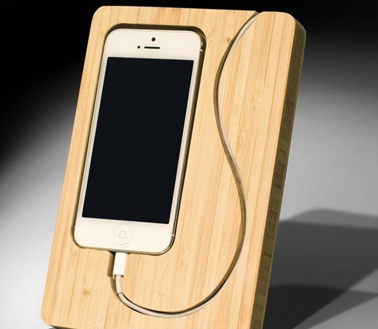chisel-6-iphone-stand-2