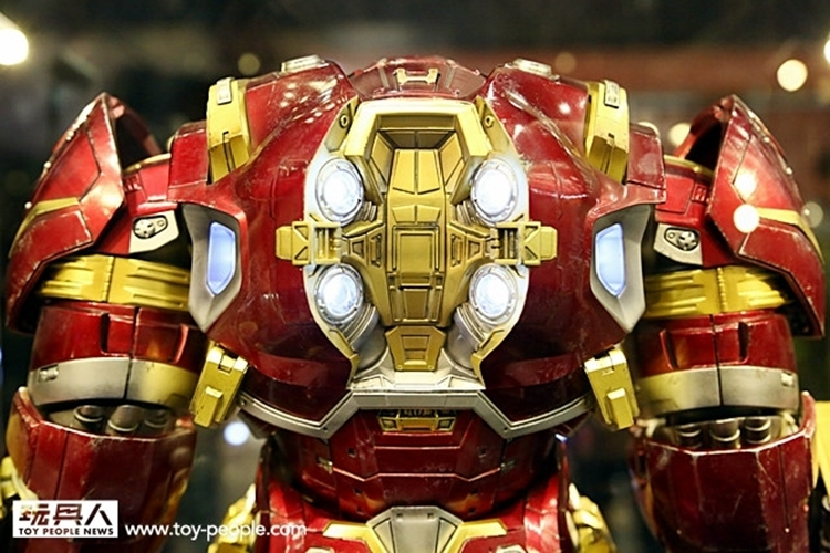 hot-toys-iron-man-hulkbuster-2