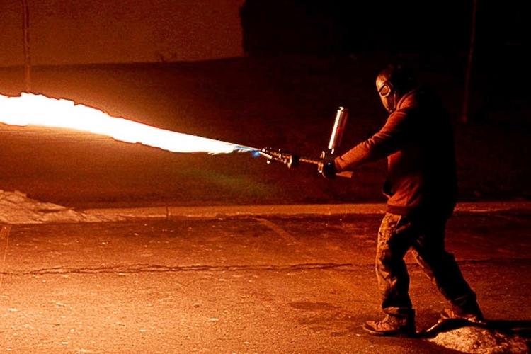xm42-handheld-flamethrower-2