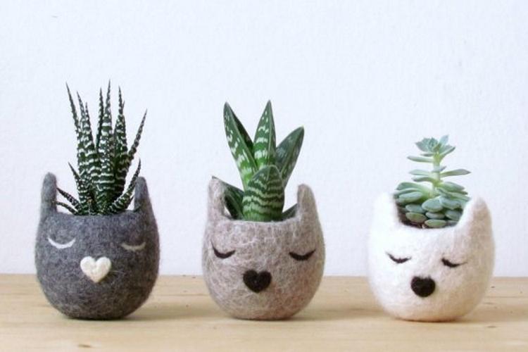 animal-felt-planters-1