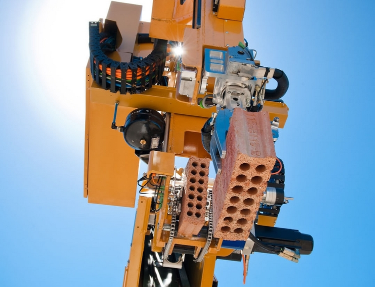 hadrian-brick-laying-robot-1