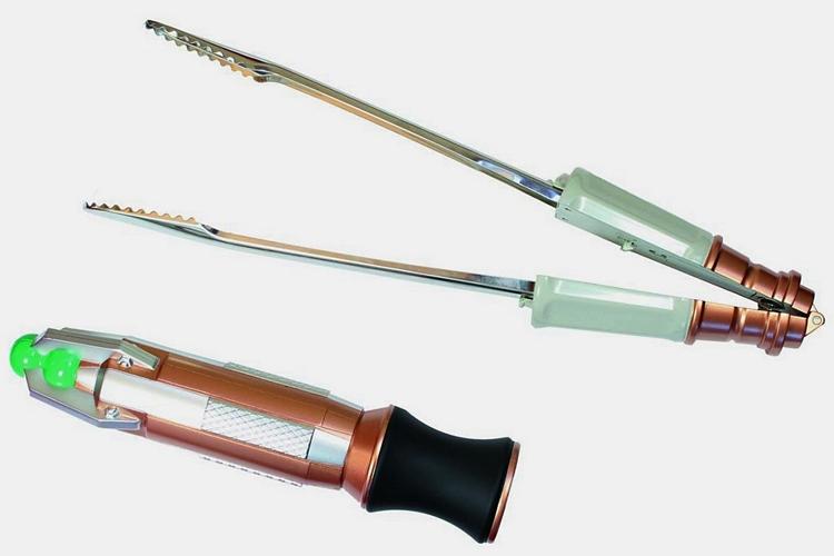 sonic-screwdriver-bbq-tongs-1