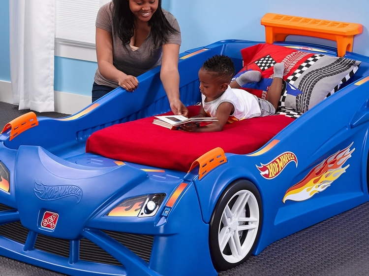 hot-wheels-toddler-twin-racecar-bed-4