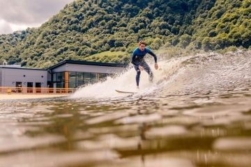 surf-snowdonia-wavegarden-2