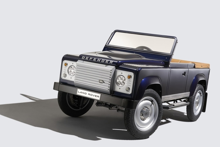 http://www.coolthings.com/wp-content/uploads/2015/09/land-rover-defender-pedal-car-1.jpg