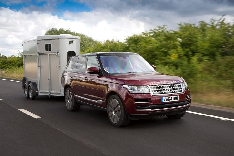 land-rover-transparent-trailer-1