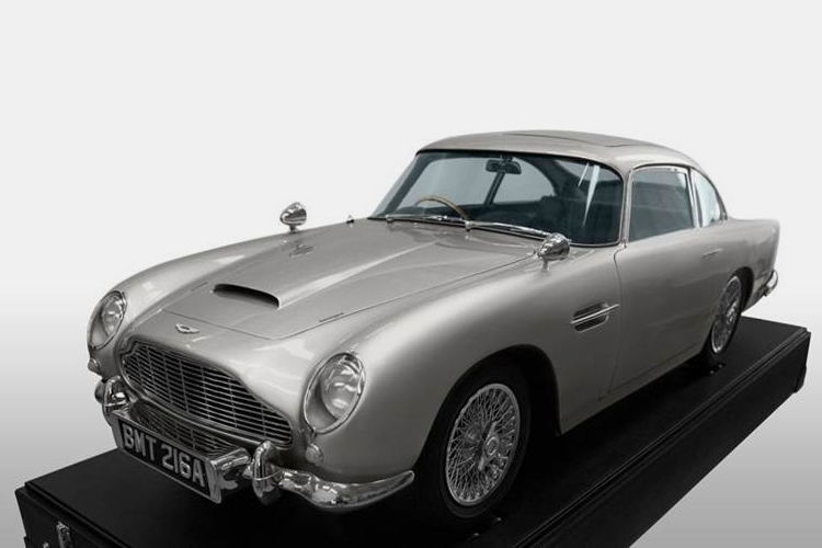 aston-martin-DB5-scale-model-1