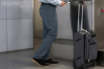 betabrand-stowaway-travel-pants-1