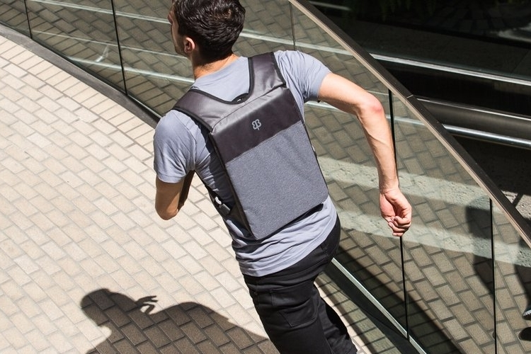 betabrand-under-the-jack-laptop-bag-1