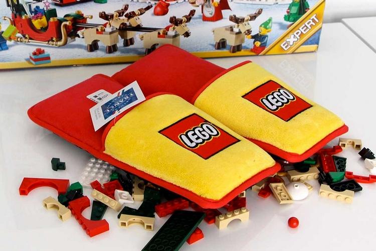 brand-station-LEGO-slippers-2