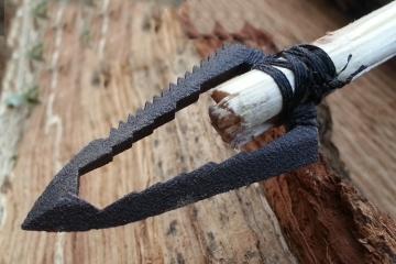 sharktooth-arrowhead-multitool-1
