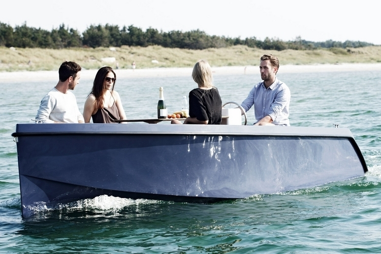 rand-picnic-boat-3