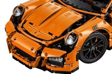 LEGO-Technic-42056-Porsche-911-GT3-RS-front-hood-headlights
