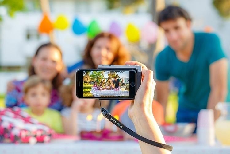 pictar-iphone-camera-grip-3