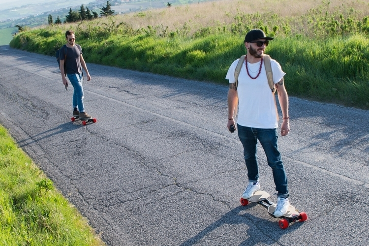 linky-folding-electric-skateboard-3