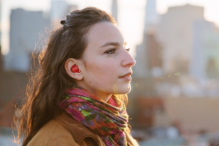 pilot-translating-earphones-3