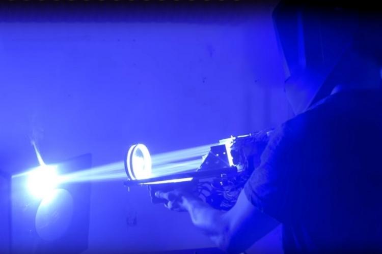 200w-laser-bazooka-1