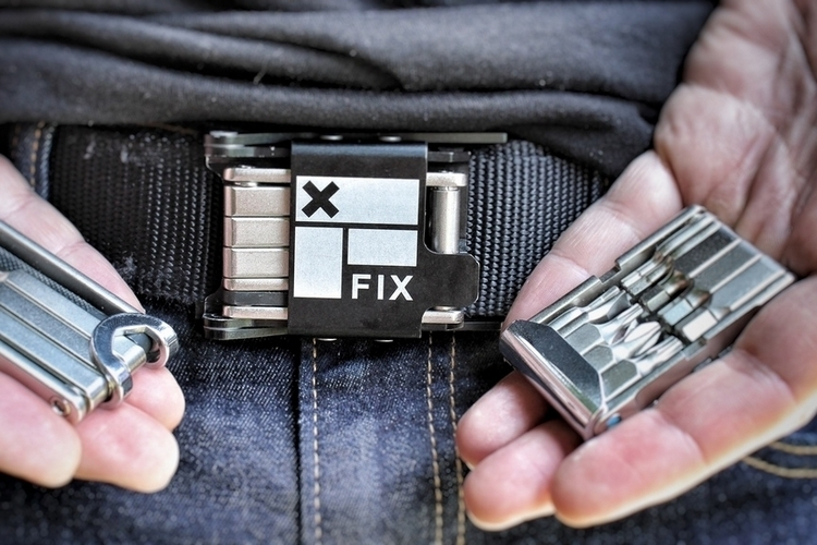 fix-manufacturing-belt-buckle-multi-tool-1