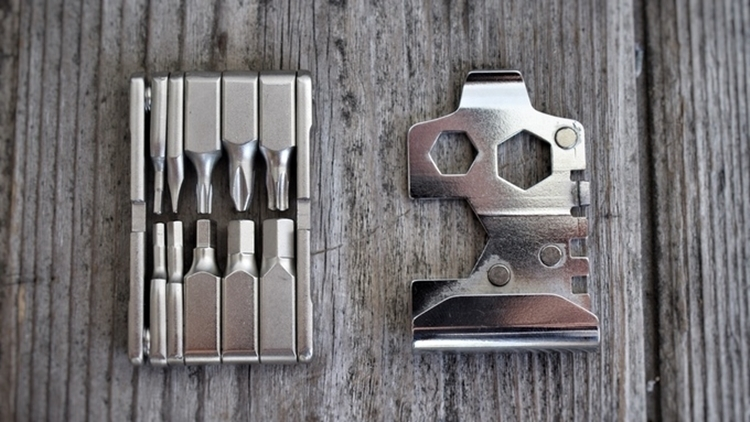 fix-manufacturing-belt-buckle-multi-tool-3