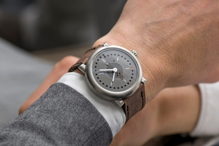 ochs-und-junior-perpetual-calendar-watch-2