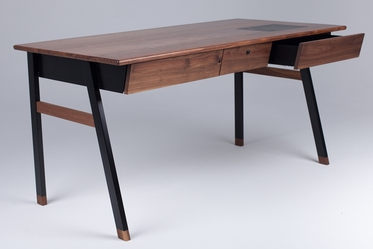 woolsey-agent-desk-2