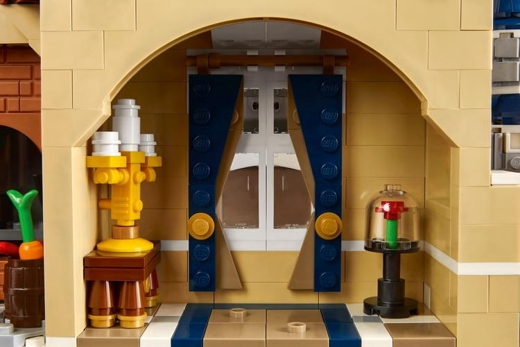 LEGO-disney-castle-4