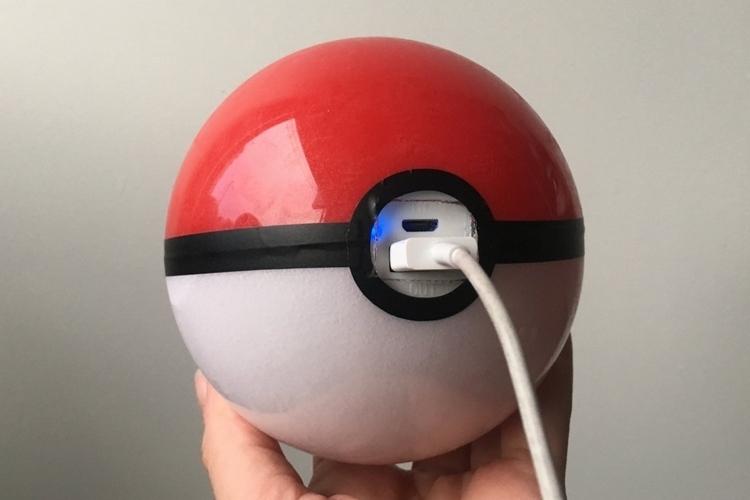 pokeball-power-bank-1
