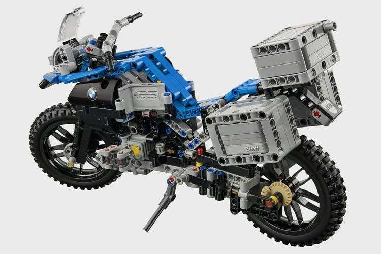 lego-technic-bmw-r-1200-gs-2