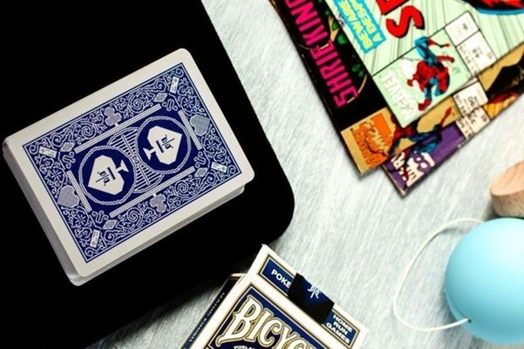 bicycle-8-bit-playing-cards-3