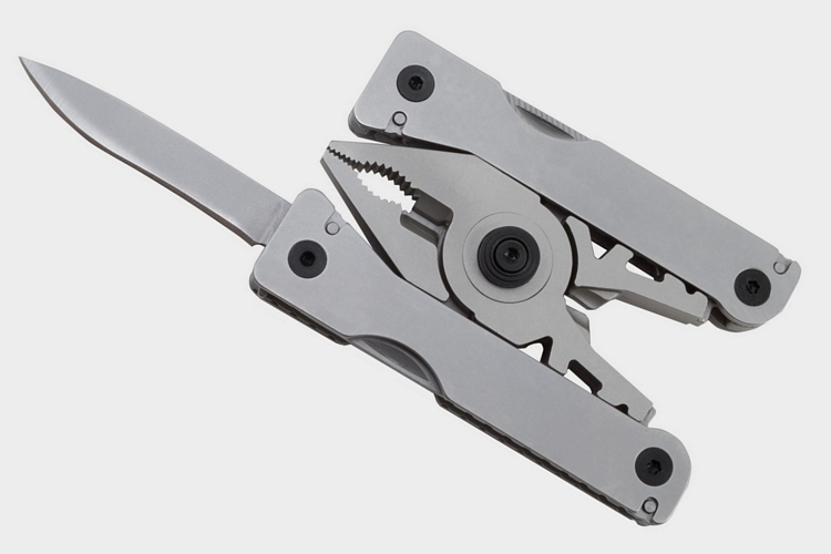 sog-sync-i-belt-buckle-multi-tool-2