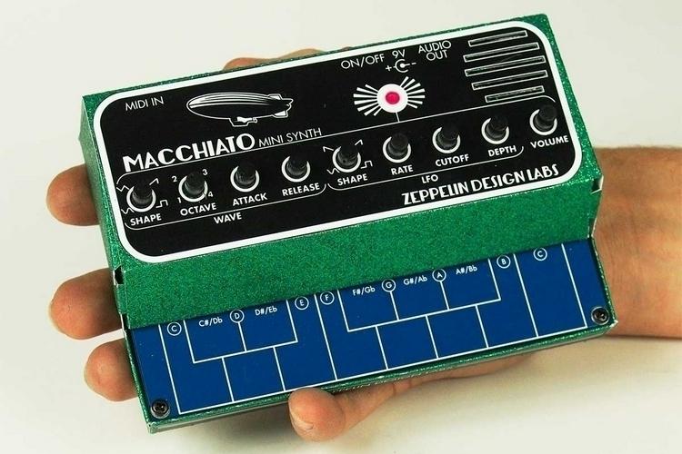 zepellin-machiatto-mini-synth-2