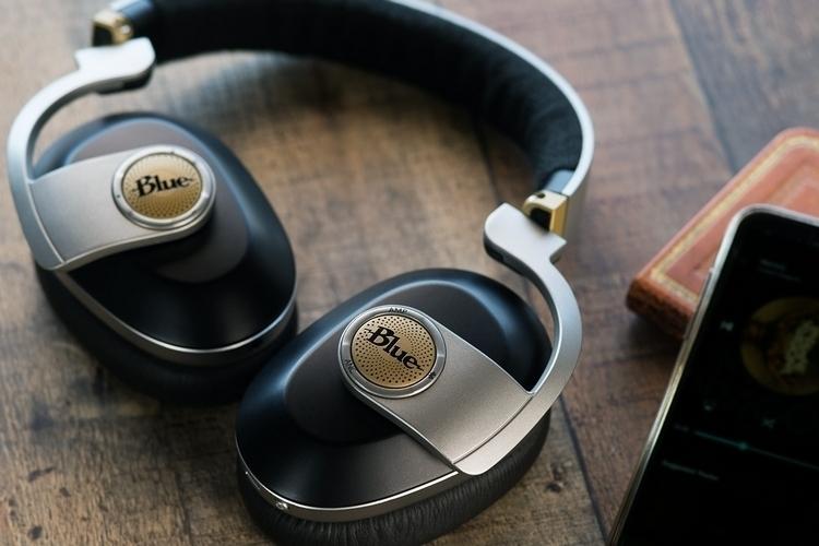 blue-satellite-headphones-1