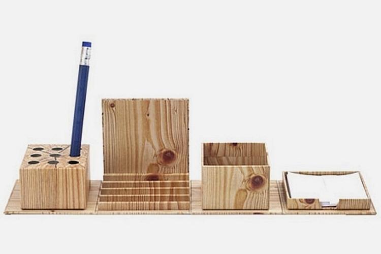 kikkerland-fold-out-stationery-organizer-1