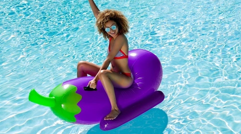 12 Awesome Pool Floats For Your Poppin Summer Parties