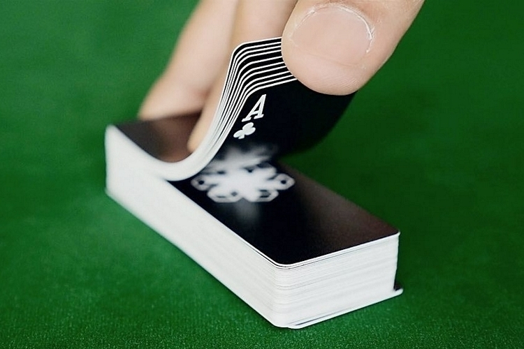 air-deck-playing-cards-2