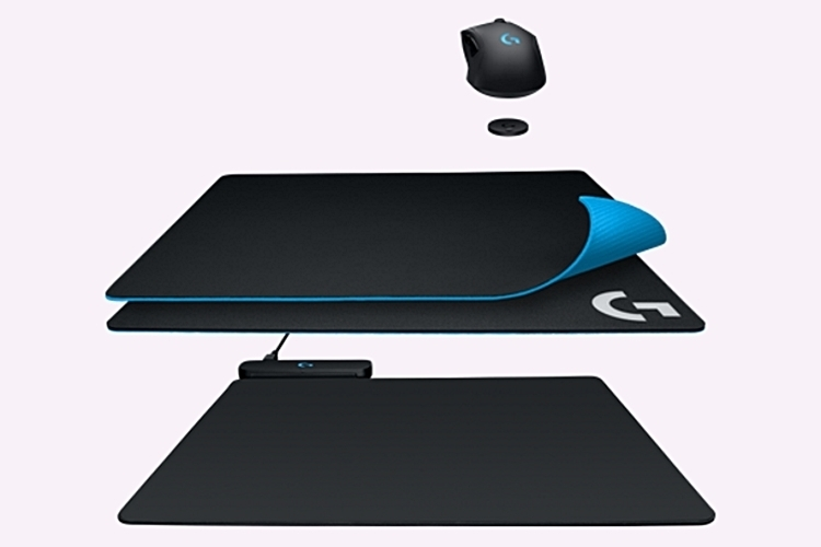 logitech-powerplay-wireless-charging-mouse-pad-2